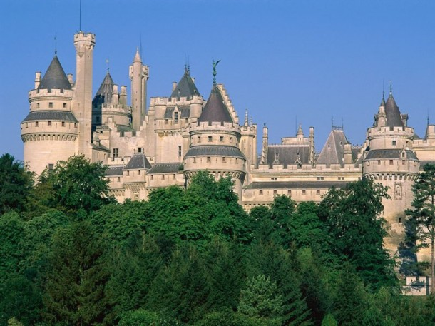 Chateau_De_Pierrefonds,_France